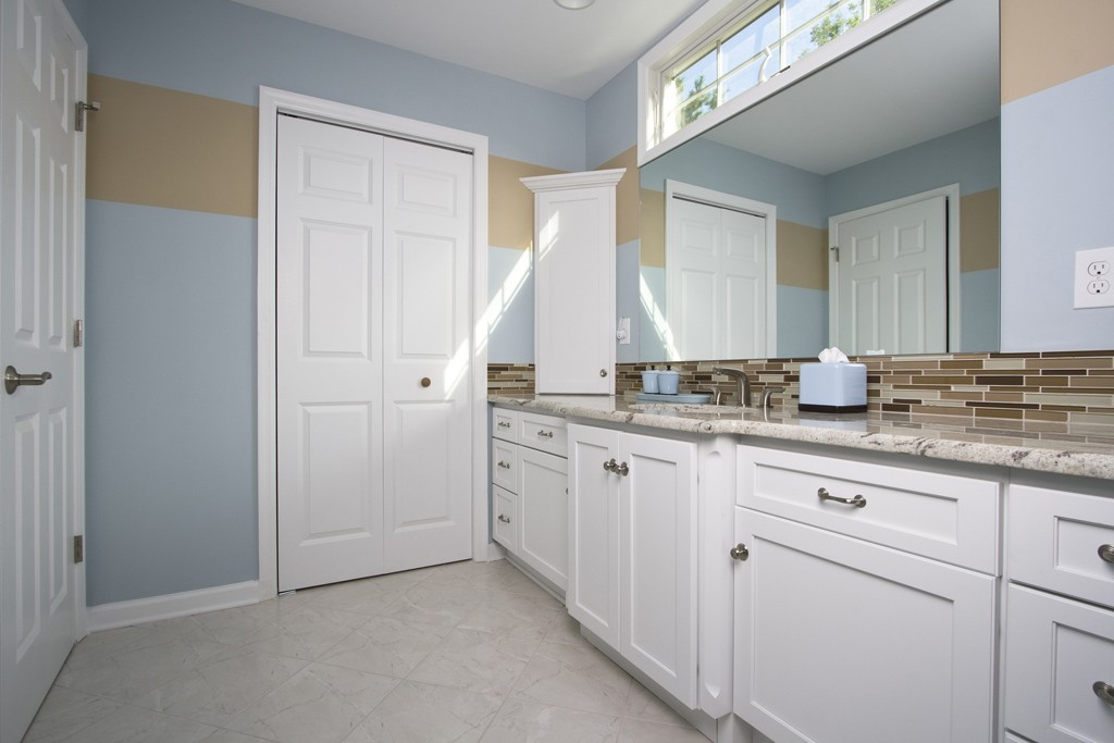 Hall bathroom makeover remodel in randolph new jersey 07869 for Bathroom remodel nj