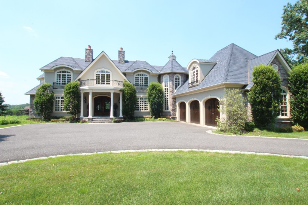 Tips For Hiring A Monmouth County Custom Home Builder