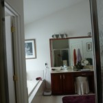 Master bathroom before remodeling (4)