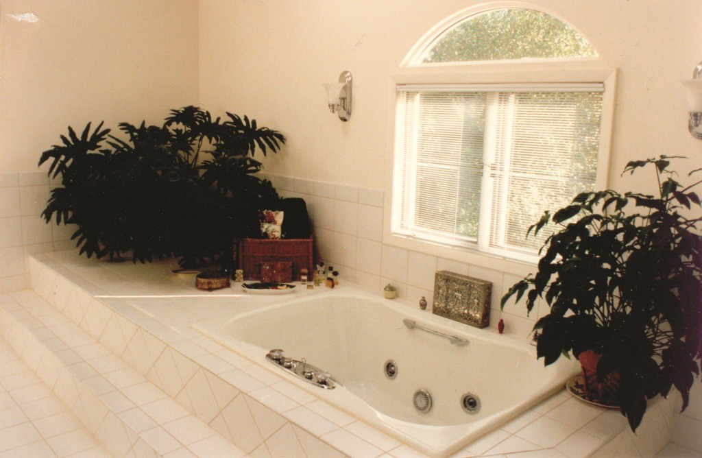 how to find a bathroom remodel contractor
