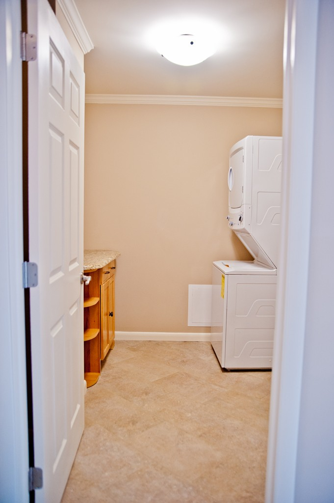 Kitchen laundry bathroom remodel in red bank nj for Laundry bathroom designs