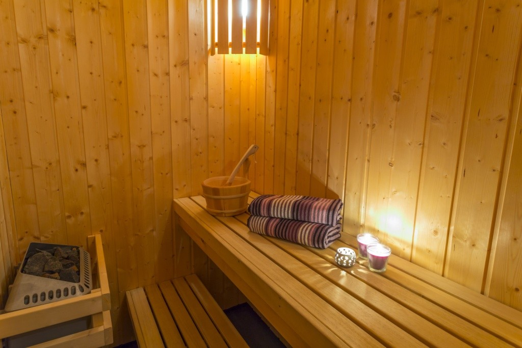 Home sauna options design build planners for Sauna home