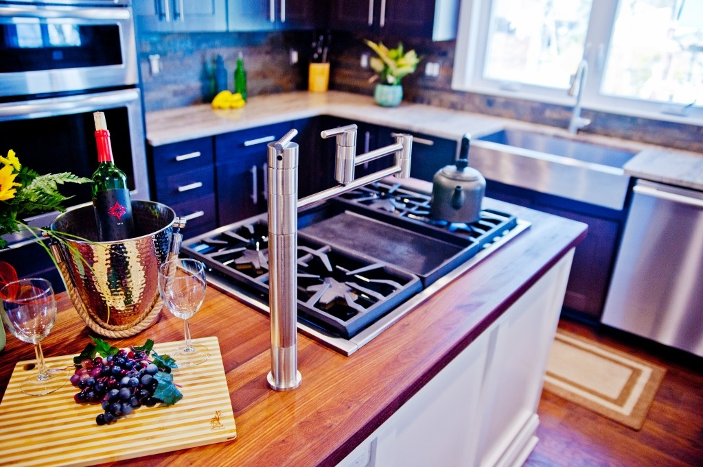 Cooktop In Kitchen Island   Design Build Pros (2)